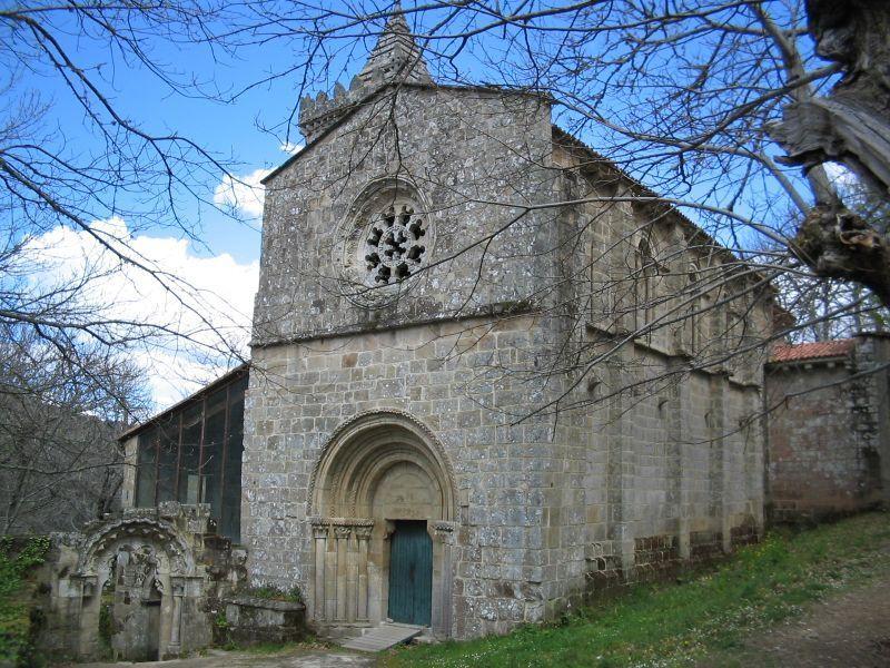 monasterio en el rio sil