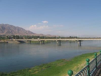cuenca del rio sir daria
